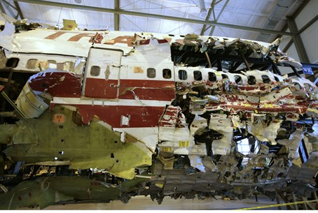 remains of the TWA Flight 800