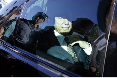 Shimon Peres in his car