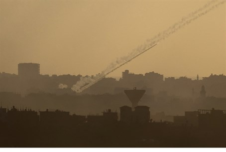 Hamas Fires Barrage Moments Before Ceasefire