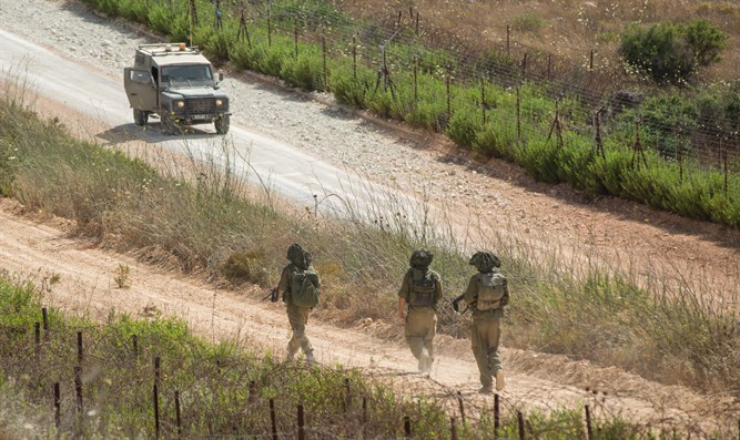 4 non-combat IDF soldiers left on wrong side of border an hour