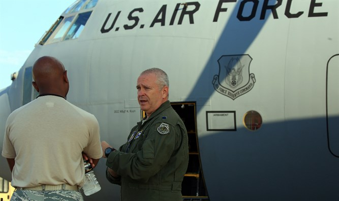 Visit to 700th Airlift Squadron